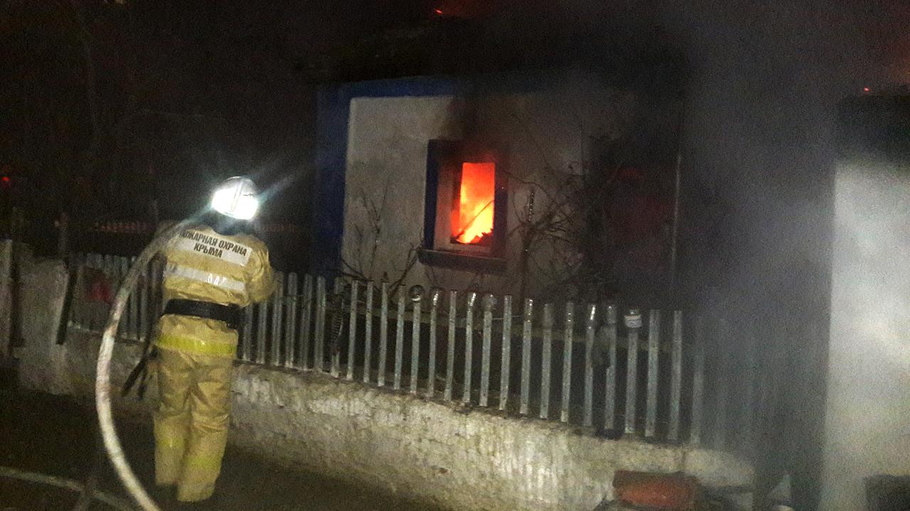 В Крыму после пожара в доме нашли тело человека