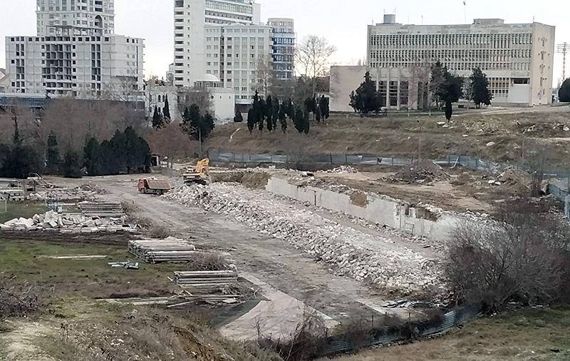 Завершается демонтаж стадиона имени 200-летия Севастополя