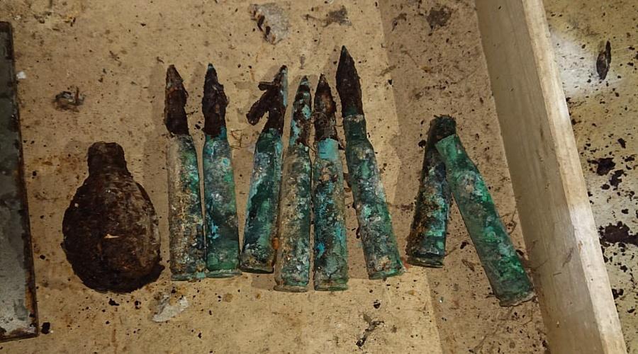 В подвале севастопольского дома обнаружили гранату и патроны времен войны