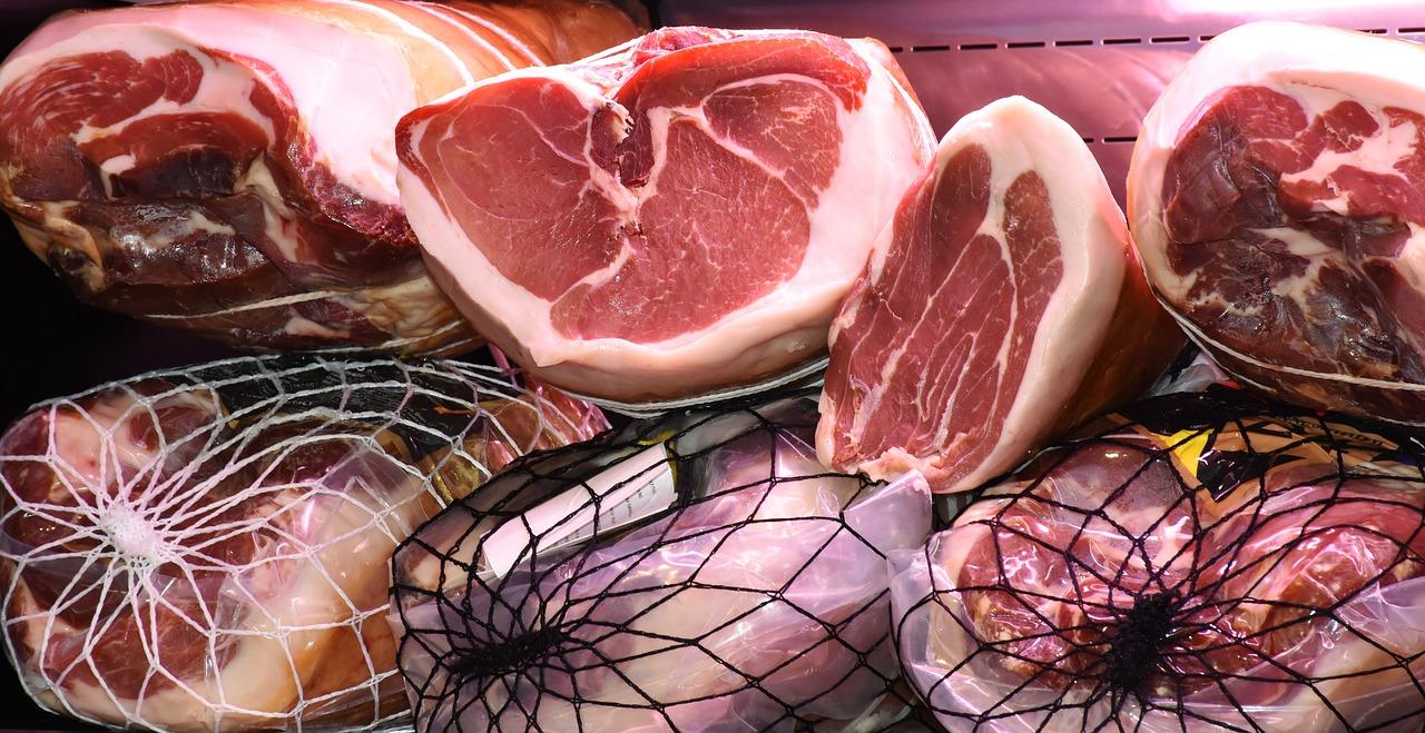 В Крыму уничтожили более шести тонн подозрительного мяса