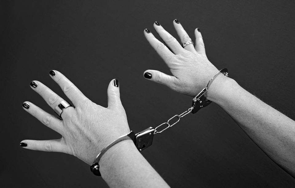 Жительницу Севастополя обвиняют в госизмене