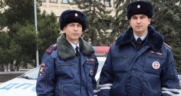 В Севастополе сотрудники ГИБДД пришли на помощь младенцу с ожогами