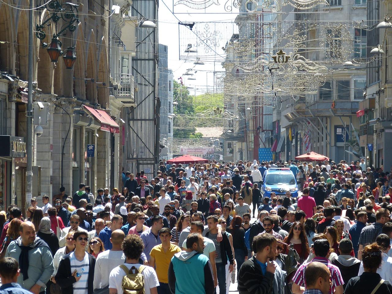 Стало известно, в каких странах предпочитают отдыхать российские туристы