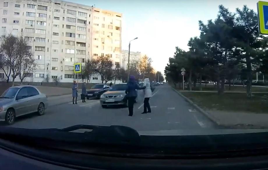 «Это реальный убийца»: в Севастополе водитель едва не лишил жизни группу людей