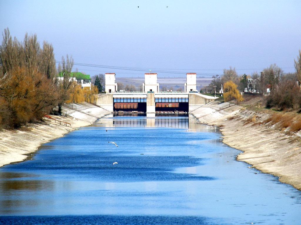 Украина планирует подавать воду в Крым через объединенные каналы