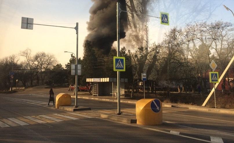 В Севастополе загорелась автоцистерна
