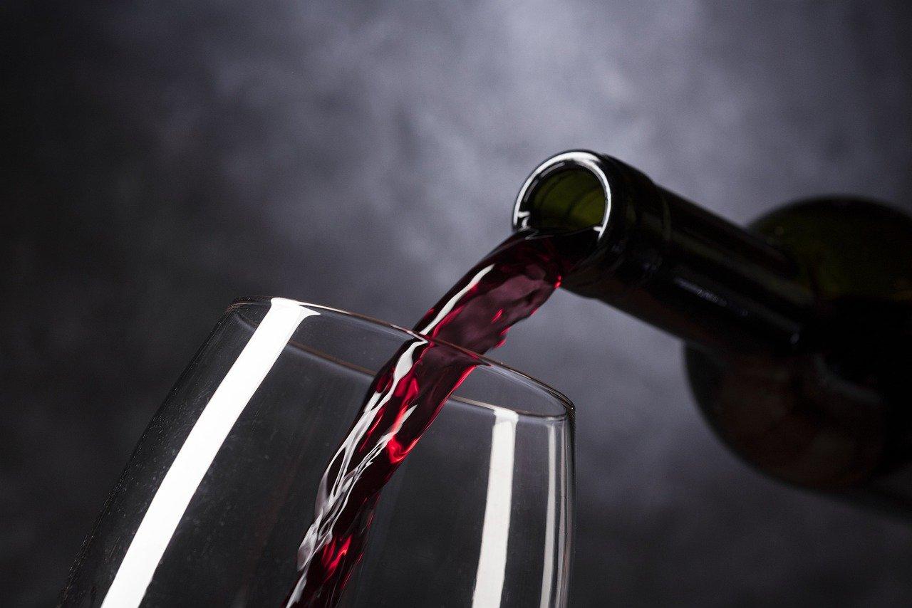 Севастопольское вино вошло в рейтинг Роскачества для идеального романтического ужина