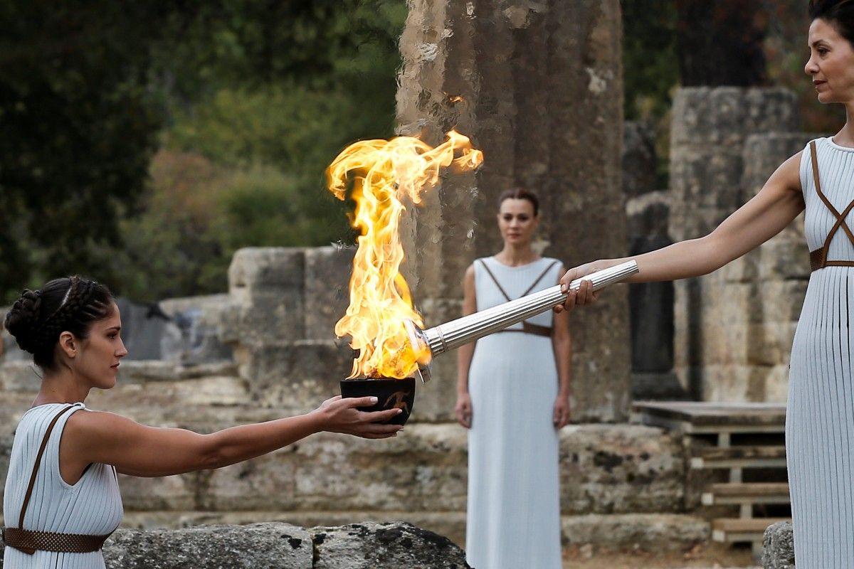 В этом году олимпийский огонь зажгут без зрителей из-за коронавируса