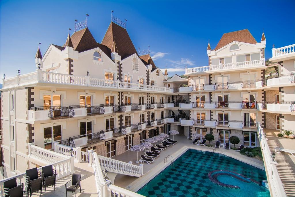 На крымских курортах закрывают до лета все санатории, дома отдыха и гостиницы