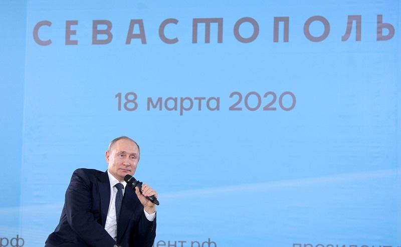 Владимир Путин встретился с общественностью Крыма и Севастополя