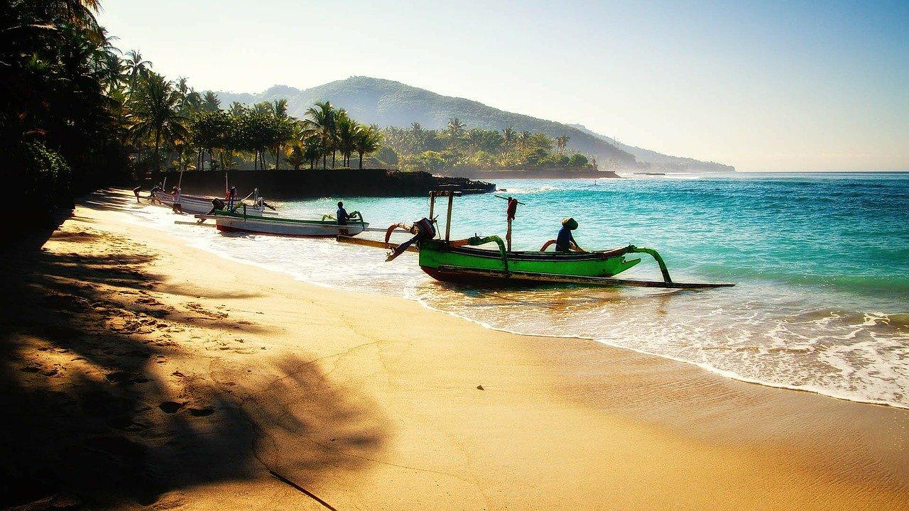Крымчанин «застрял» на Бали из-за коронавируса