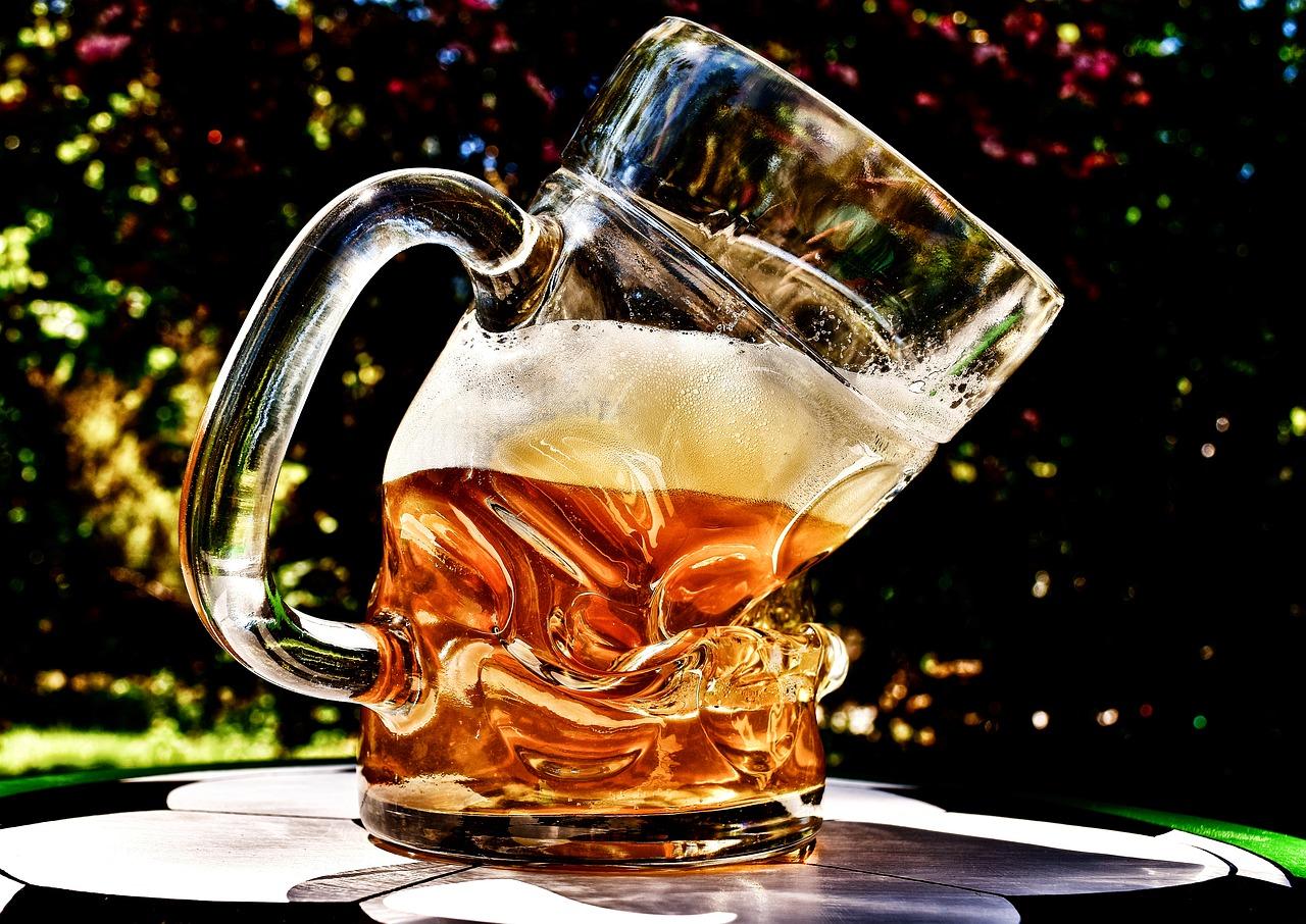 В Севастополе молодого мужчину избили пивной кружкой в баре