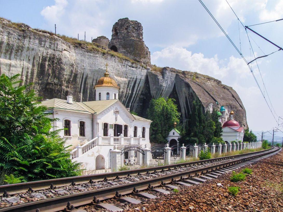 В Севастополе поезда пустят в обход Инкерманского монастыря