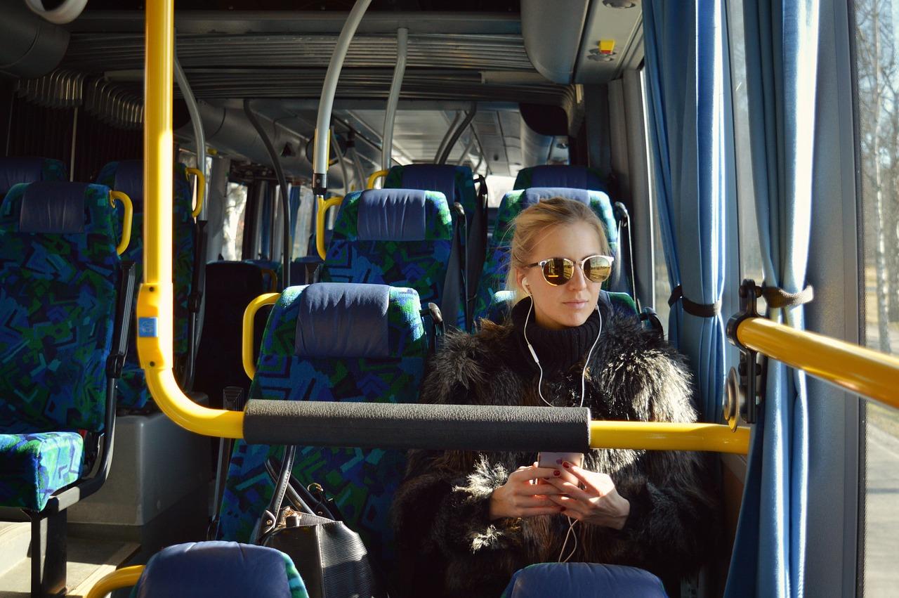 Въезжающих на Крымский мост пассажиров автобусов проверяют на коронавирус