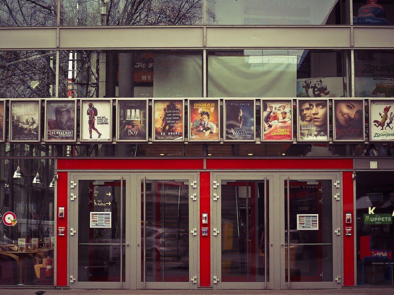 Власти рекомендуют закрыть все кинотеатры