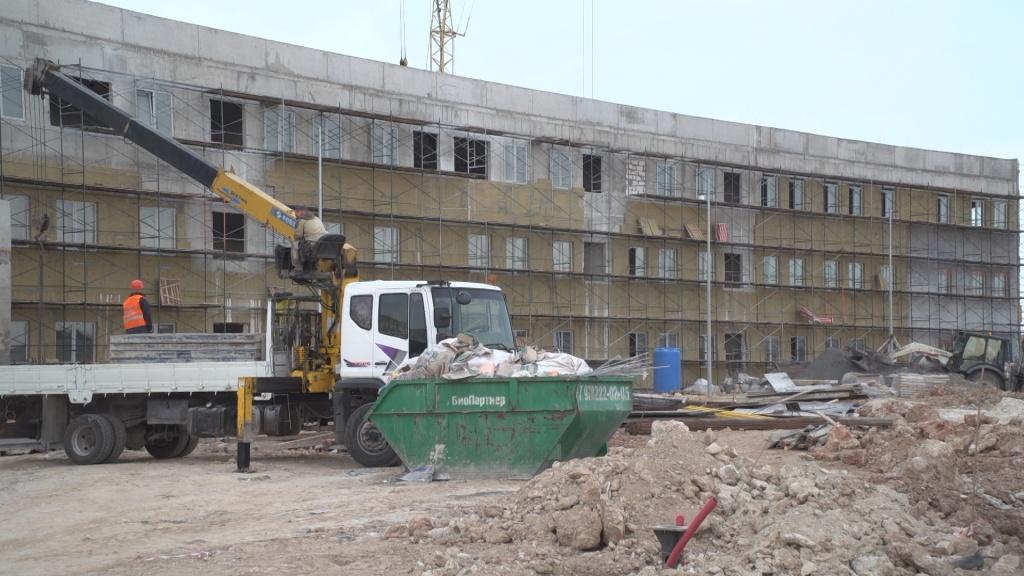 Новая школа в Казачьей бухте готова на 50%