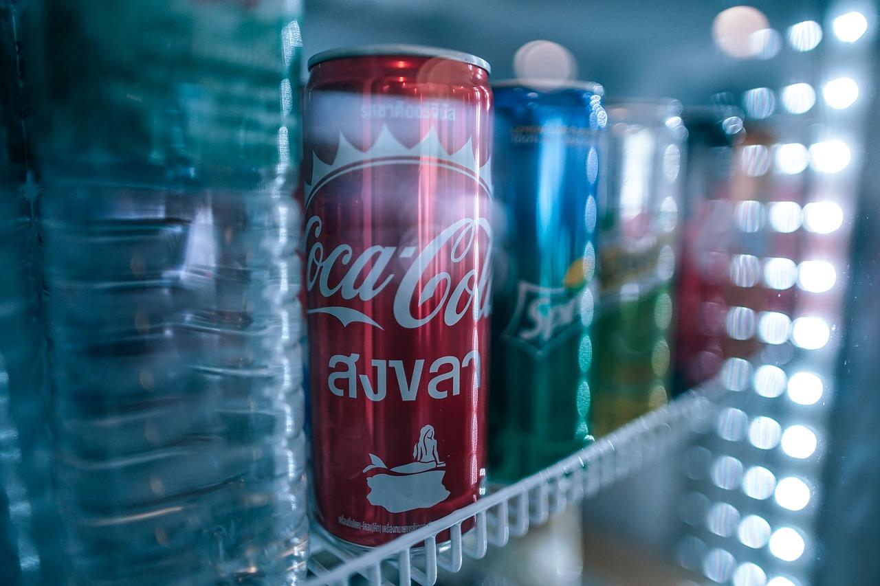 Какие напитки надо хранить в холодильнике