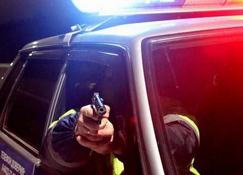 В Крыму погоня полицейских за автонарушителем закончилась стрельбой