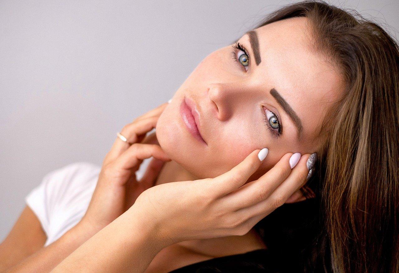 Эксперты назвали способы сохранить молодость кожи