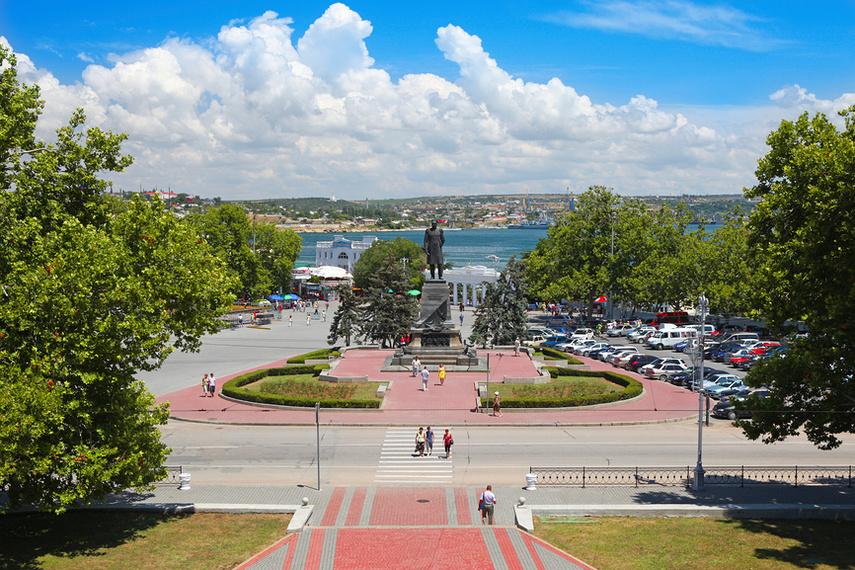 Площадь Нахимова в Севастополе в марте будет несколько раз закрыта для транспорта