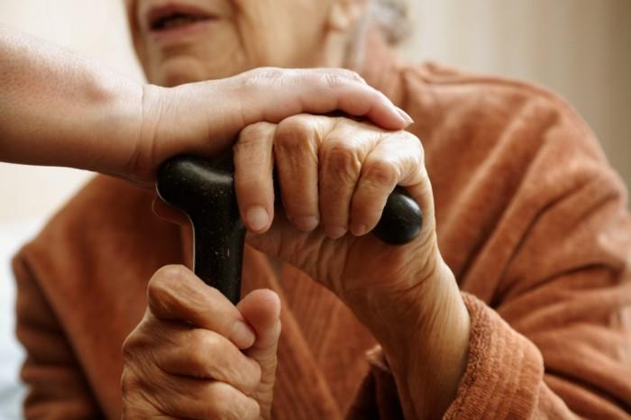 Крымчанка «проведала» пенсионеров и обогатилась на 700 тысяч рублей
