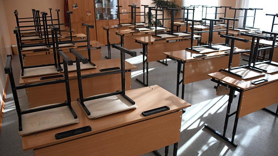 Севастопольские школьники досрочно уходят на каникулы из-за угрозы коронавируса