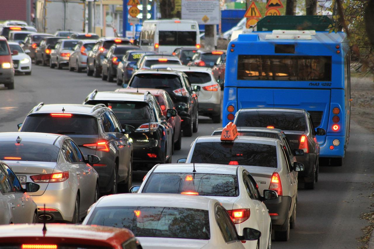 Ученые выявили связь между стоимостью автомобиля и хамством на дорогах