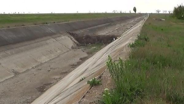 Новый премьер Украины выступил за возобновление подачи воды в Крым
