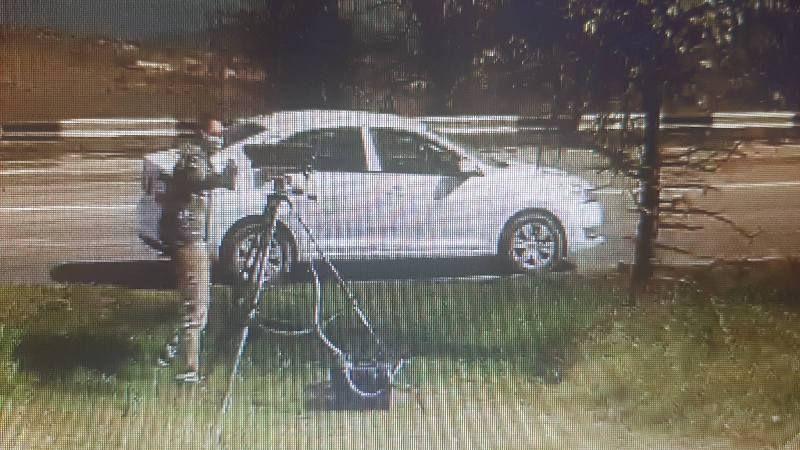 В Севастополе водитель в маске залил краской комплекс видеофиксации нарушений ПДД