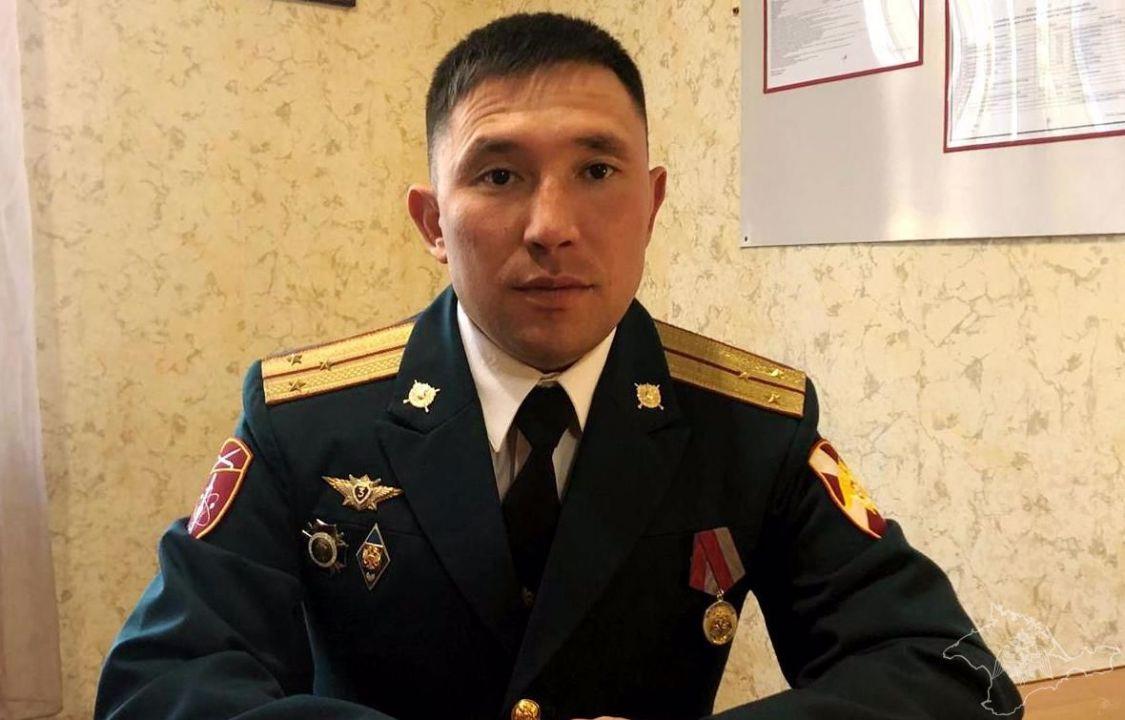 Сотрудника Росгвардии в Севастополе наградили за спасение подростка