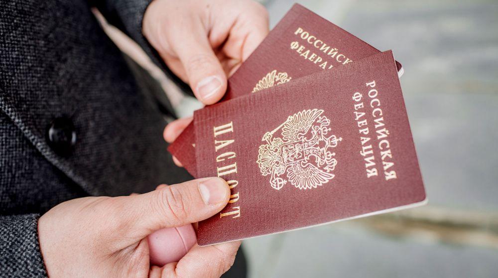 При выходе на улицу крымчане должны брать с собой паспорт
