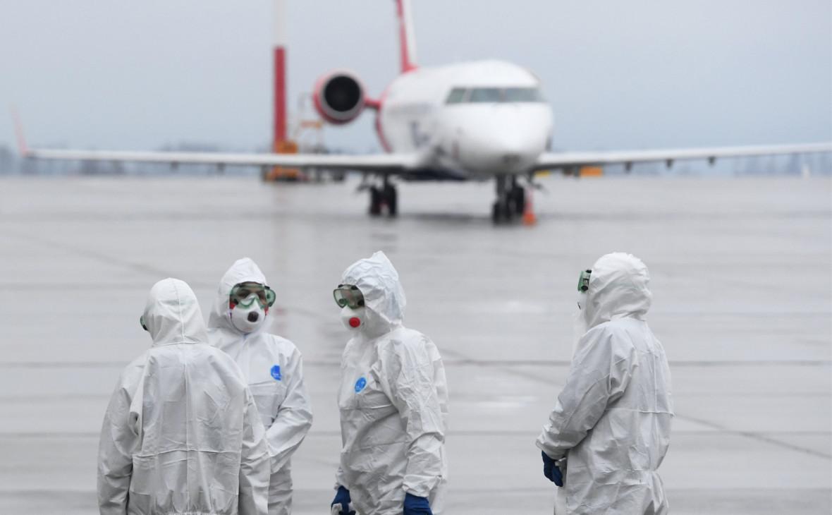 Россиян обяжут носить маски в самолетах после возобновления рейсов