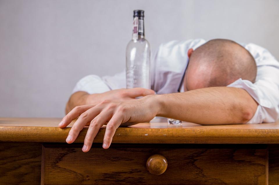 Как победить похмелье без таблеток – советы токсиколога