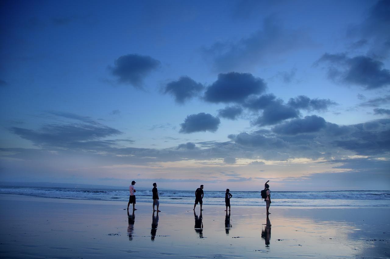 Двадцать застрявших на Бали крымчан просят вернуть их домой