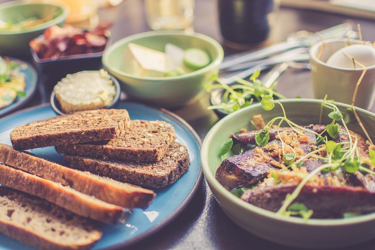 Роспотребнадзор дал рекомендации по правильному питанию при изоляции