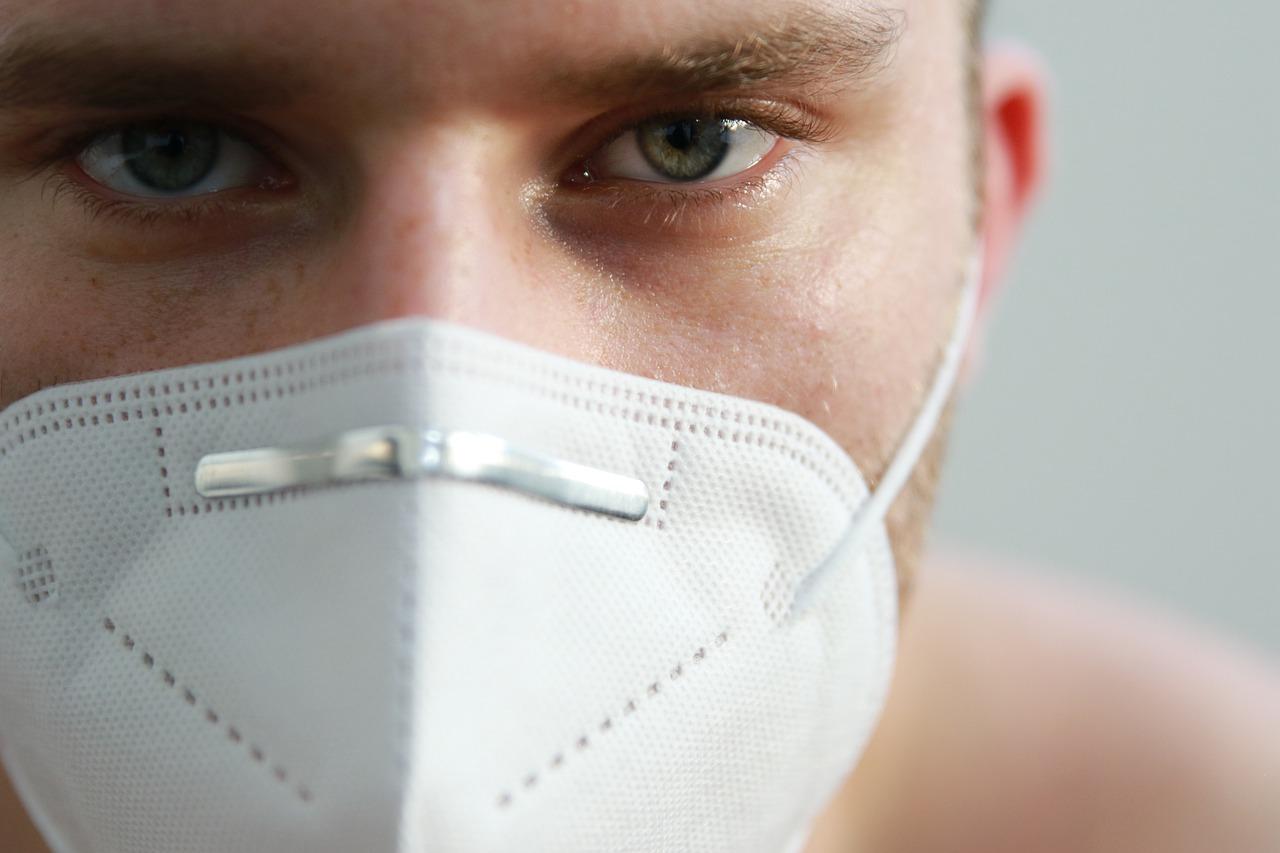 Медицинских масок в аптеках не будет – Развожаев
