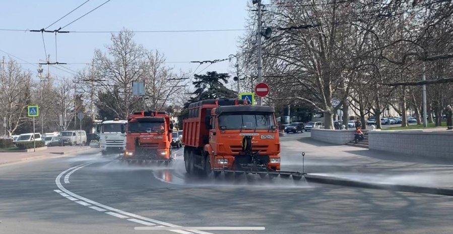 «Автодор» приступил к обработке улиц Севастополя