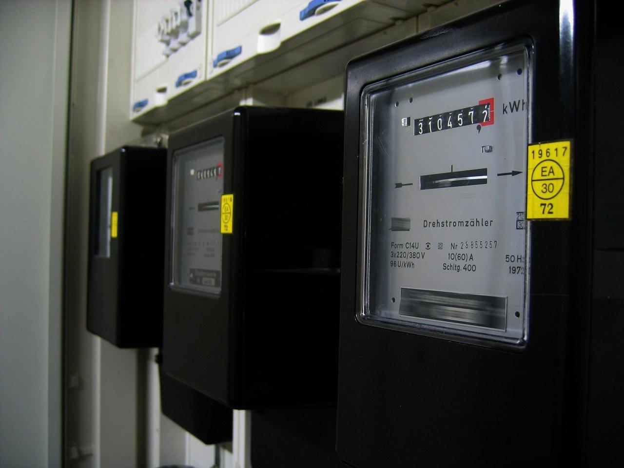 Проверку бытовых счетчиков в России отложили до следующего года