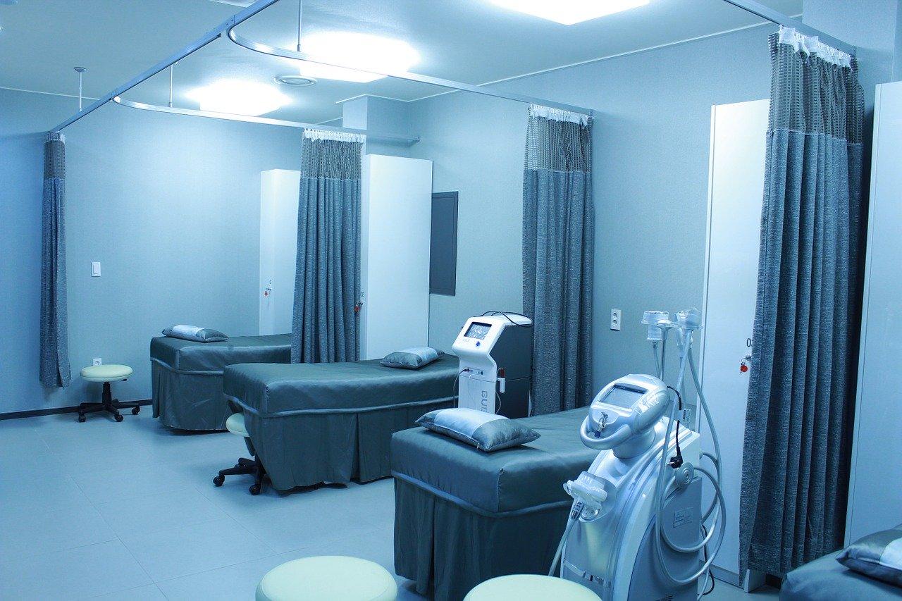 В крымскую больницу доставят кислородный концентратор из Франции