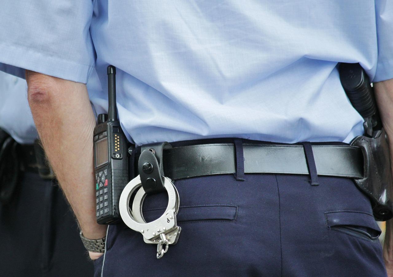 В Севастополе пьяный дебошир отпугивал полицию голыми ягодицами