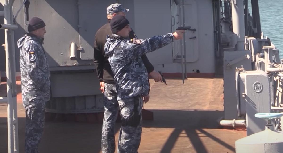 В Сети подняли на смех поход украинских моряков