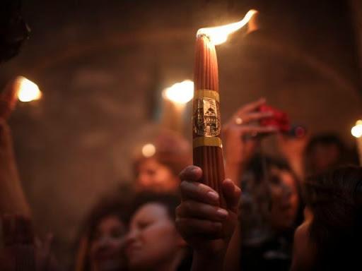 Церемония схождения Благодатного огня пройдет без паломников в режиме онлайн
