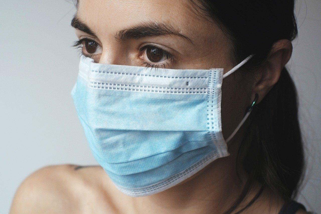 В Крыму выписывают из больницы первого вылечившегося от коронавируса пациента