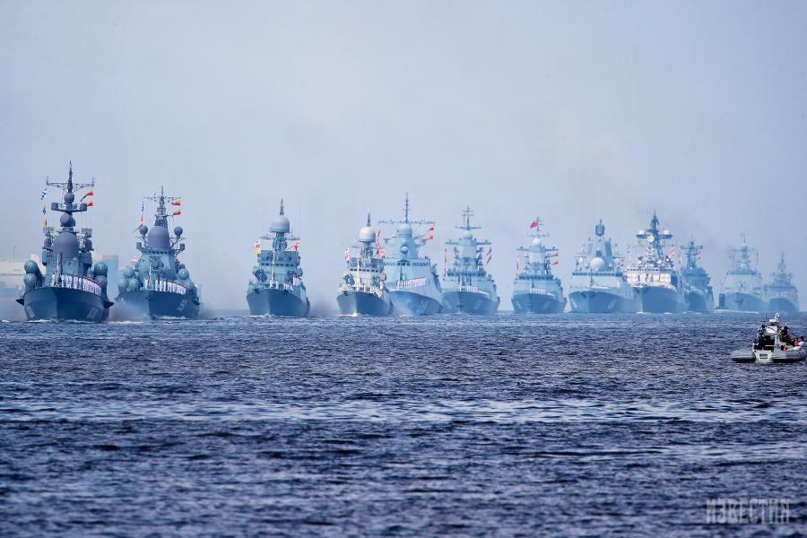 Глава Минобороны сообщил о подготовке военно-морского парада ко дню ВМФ