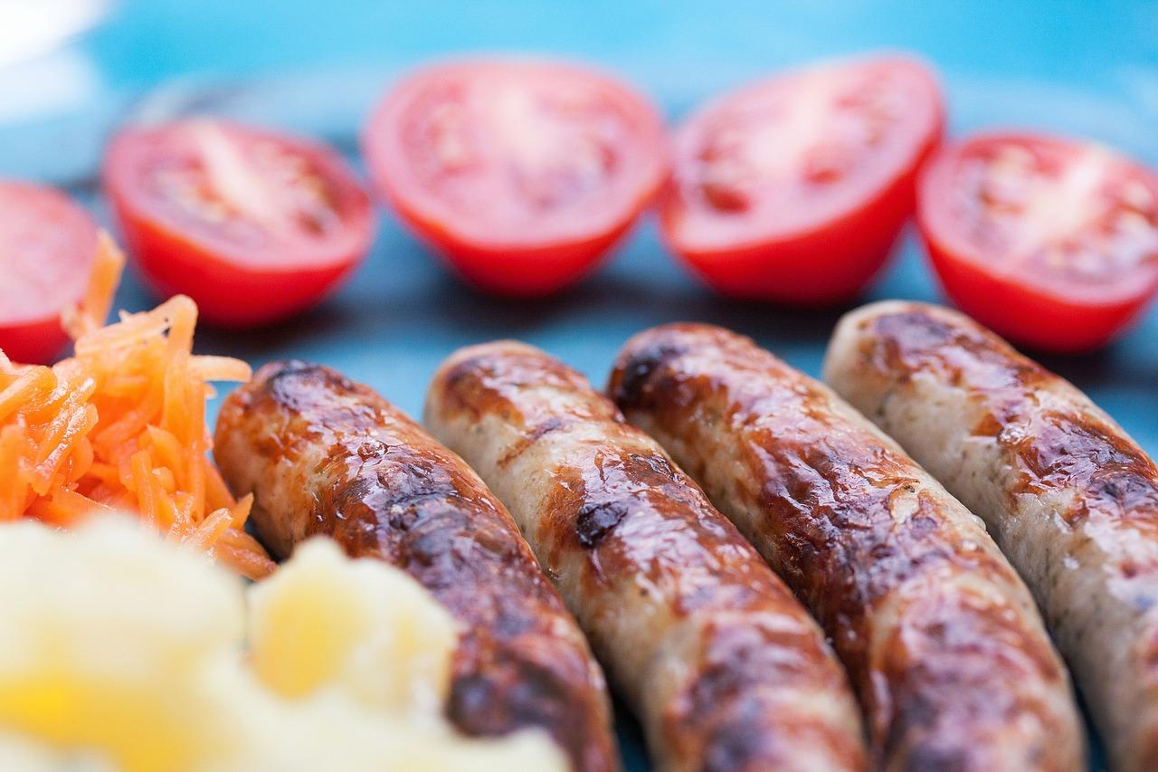 Сосиски, помидоры и молоко подорожали в Севастополе
