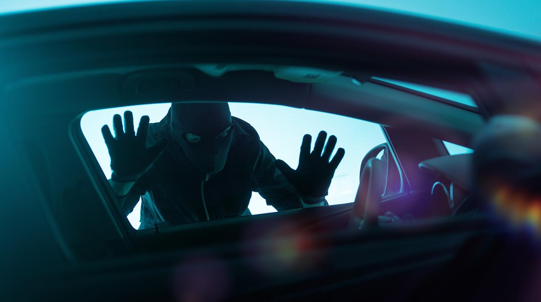 Молодой крымчанин под следствием пытался угнать три авто за ночь