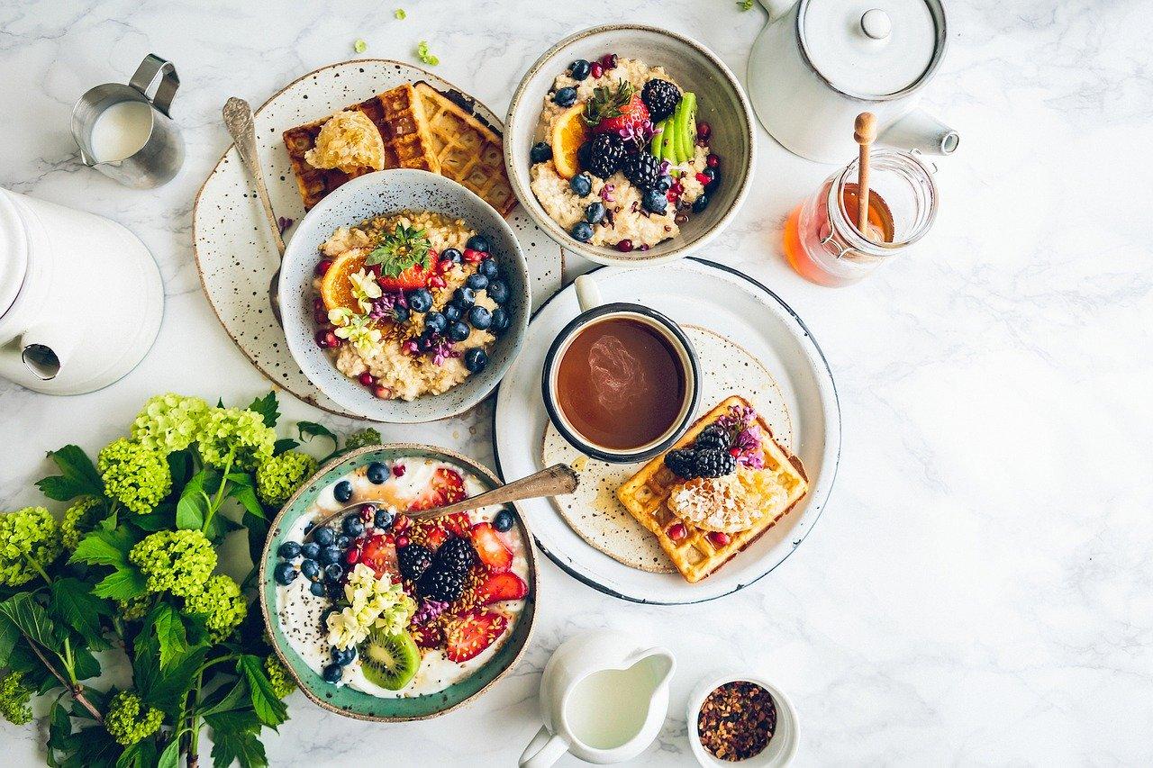 Кардиохирург назвал минусы плотного завтрака