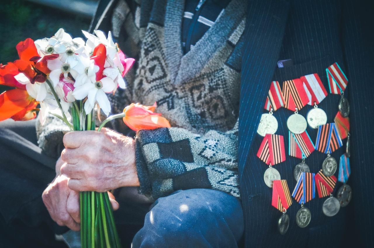 Севастопольские ветераны получили ежегодную выплату ко Дню Победы от Правительства Москвы