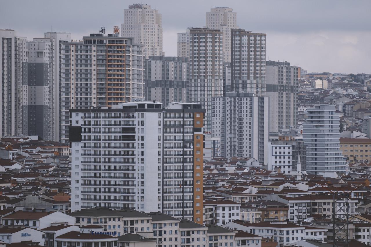 Власти Крыма купят 300 квартир для медработников