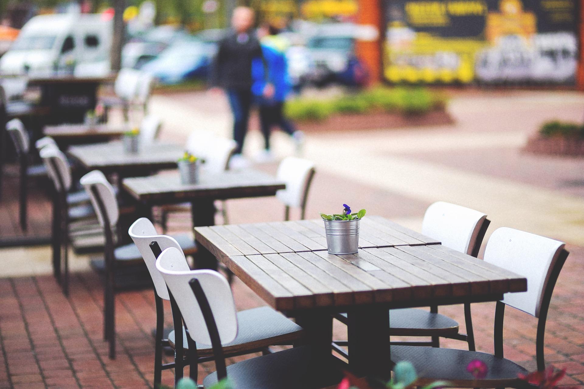 В Севастополе кафе и ресторанам разрешат открыть летние площадки
